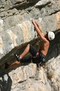Stage escalade en falaise Orpierre, formule découverte et perfectionnement, Cordévasion