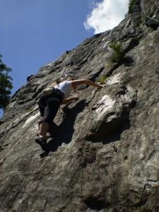Stage découverte escalade Chamonix, falaise des Gaillands
