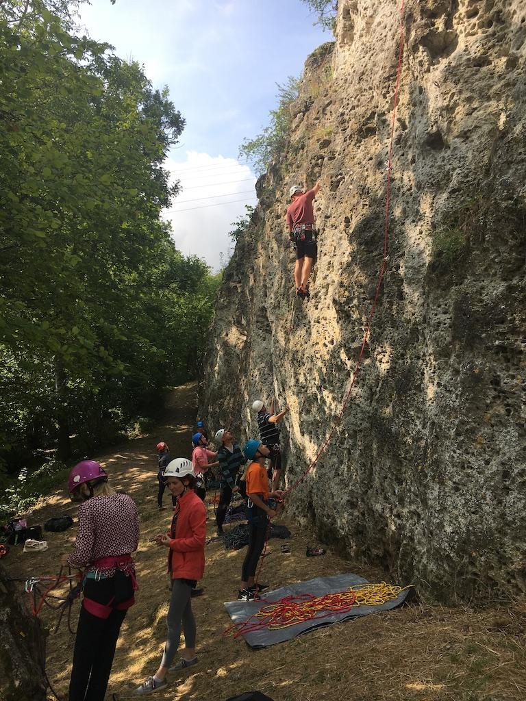 Stage-escalade-journée-falaise-Reims